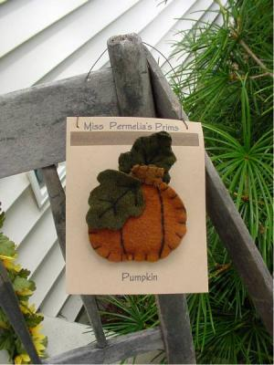 Prim Pumpkin Pin-